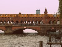For U1 business as usual - the UBahn on the bridge