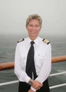 Kreuzfahrtdirektorin