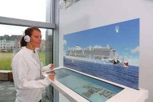 Die AIDAprima kann als digitales Schiffsmodell erkundet werden. Foto: Ove Arscholl
