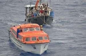 phoenix_albatros_rescuefisherboat