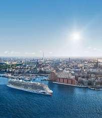 AIDAnova in Hamburg