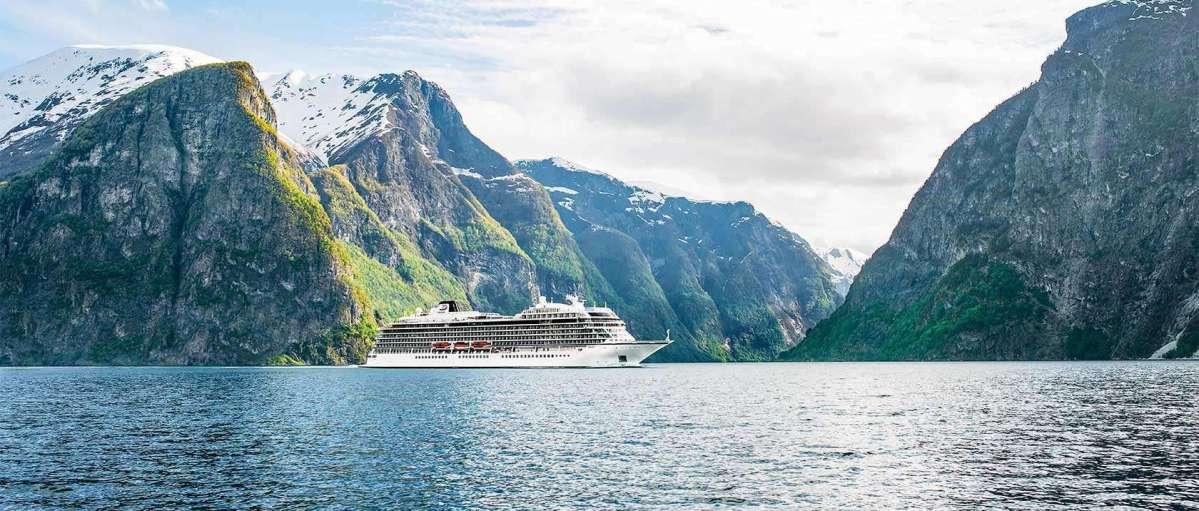 Kreuzfahrtschiff Viking Sky nun auf dem Weg nach Molde - Evakuierung beendet! Livebilder!