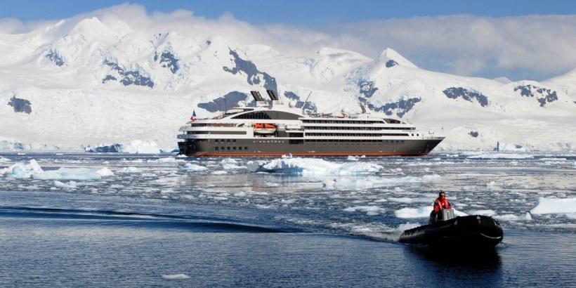 PONANT L'Austral in der Antarktis