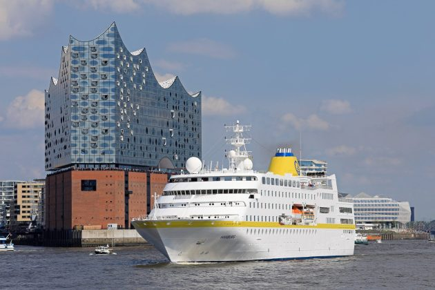 Kleinere Kreuzfahrtschiffe können eher starten - MS Hamburg