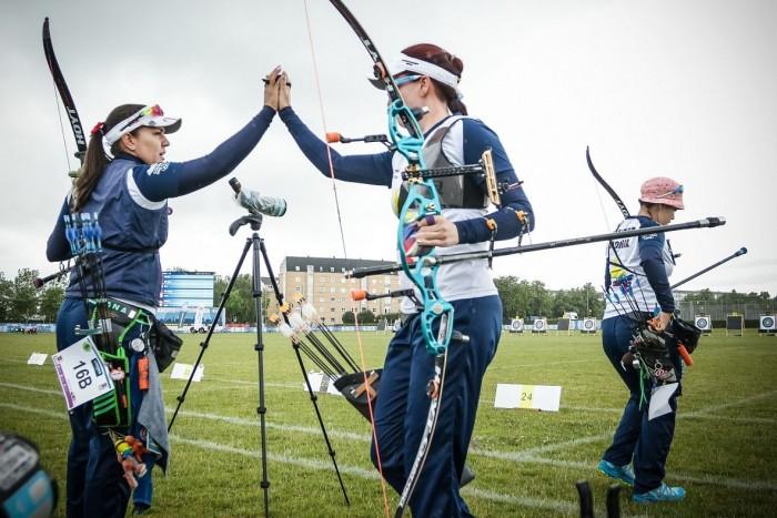 Women Archers Qualify