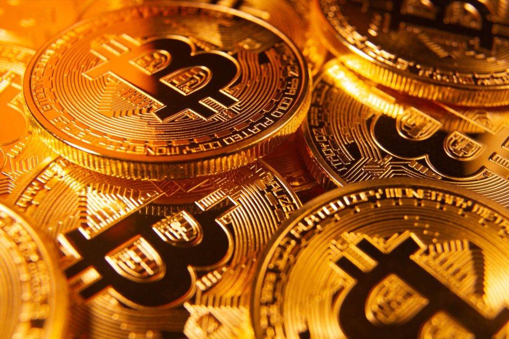"""Ünlü Analist: """"Altcoin Sezonunu Unutun, Bitcoin Golden Cross'a Hazırlanıyor"""""""