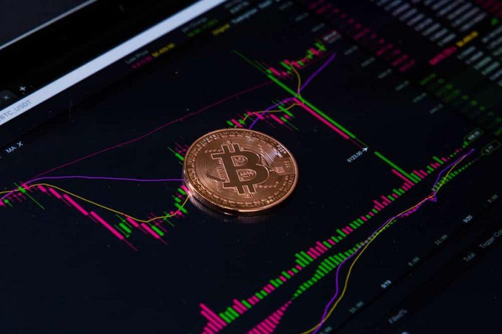 İşte Usta Analistlerden Bitcoin'in Yönünü Tayin Eden Tahminler