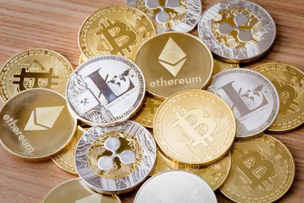 PayPal CEO'su: Bitcoin ve Altcoin'ler Ana Akım Benimsenmenin Eşiğinde