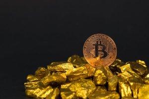 """İşte 3 Dev İsimden """"Güncel"""" Altın ve Bitcoin Tahminleri"""