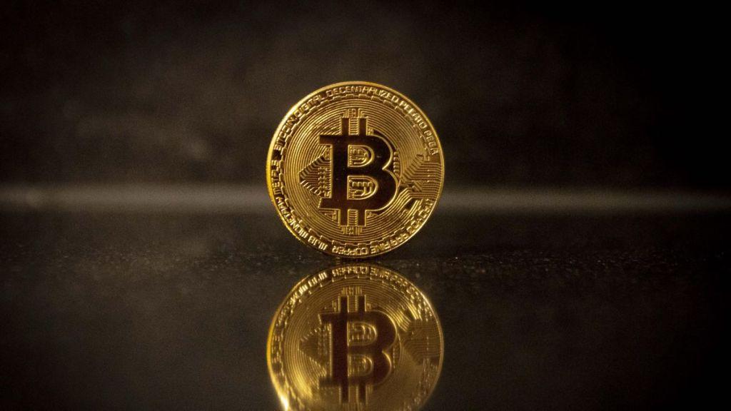 """""""Çifte Harcama"""" FUD'u Sonrası Sert Düşen Bitcoin 3.000 Dolar Yükseldi"""