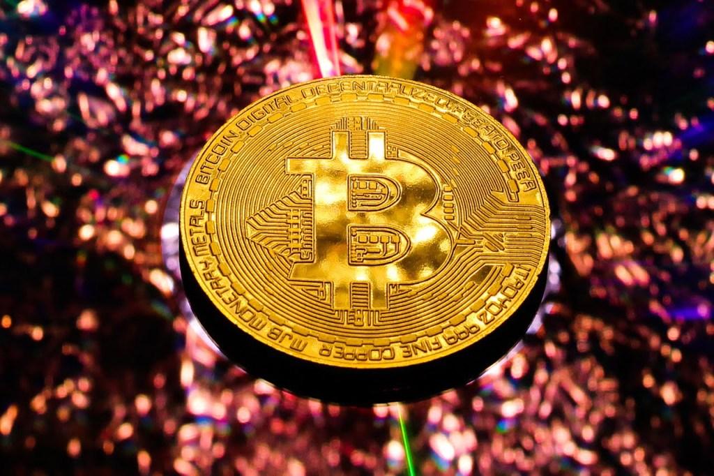 Fed Yetkilisi Bitcoin'i Altın'a Rakip Olarak Gördüğünü Açıkladı