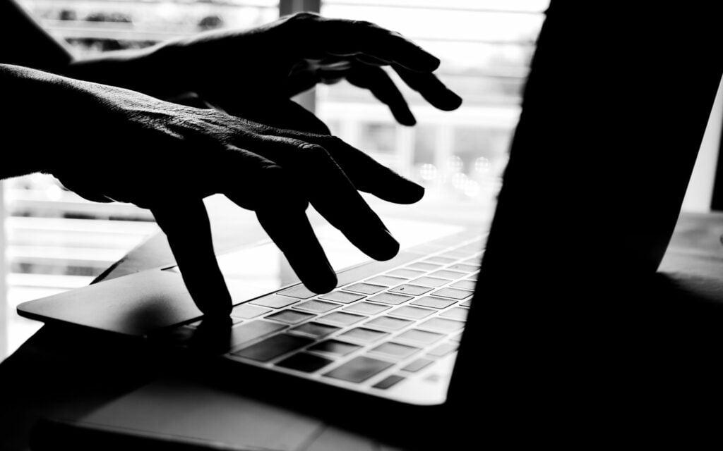 Sıcak Gelişme: Bu Altcoin de Milyonluk Hack! Fiyat Sert Düştü