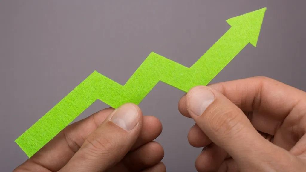 Muhteşem Yedili: Piyasa Erirken Bu 7 Altcoin Sıçrıyor!
