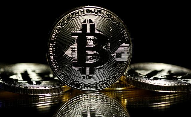 Минфин США официально добавил биткоин-адреса в санкционный список