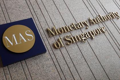 Банки Сінгапуру закривають рахунки криптовалютних компаній