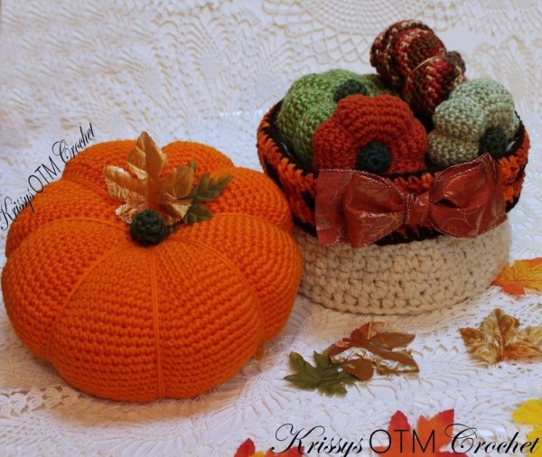 This large crochet pumpkin is so much fun! It's easy to make too. Decorating for Fall has never been so much fun!