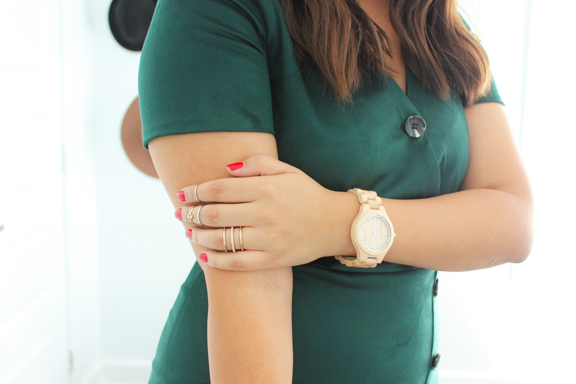 summer look with Jord wood watches