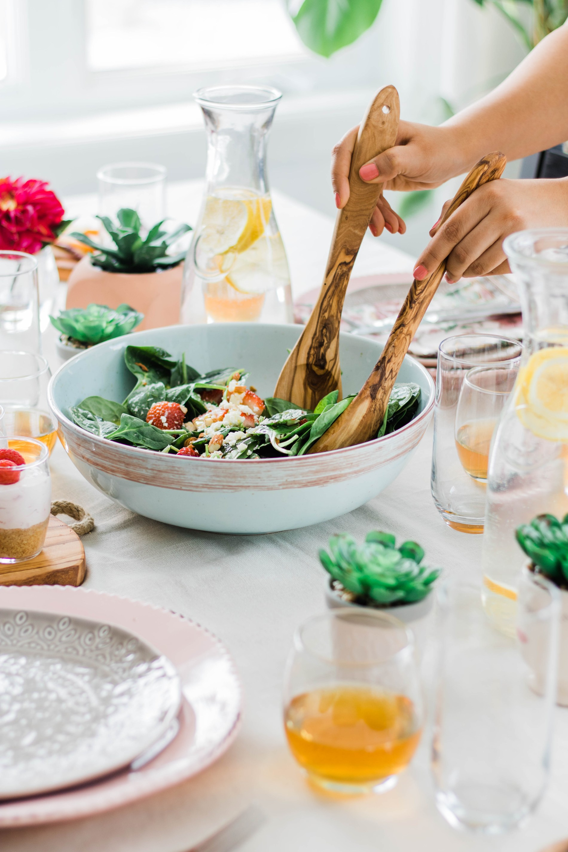 A Dinner Party To Celebrate Spring's Arrival with a full vegetarian menu. #tablescape #dinnerparty #spring #dinner