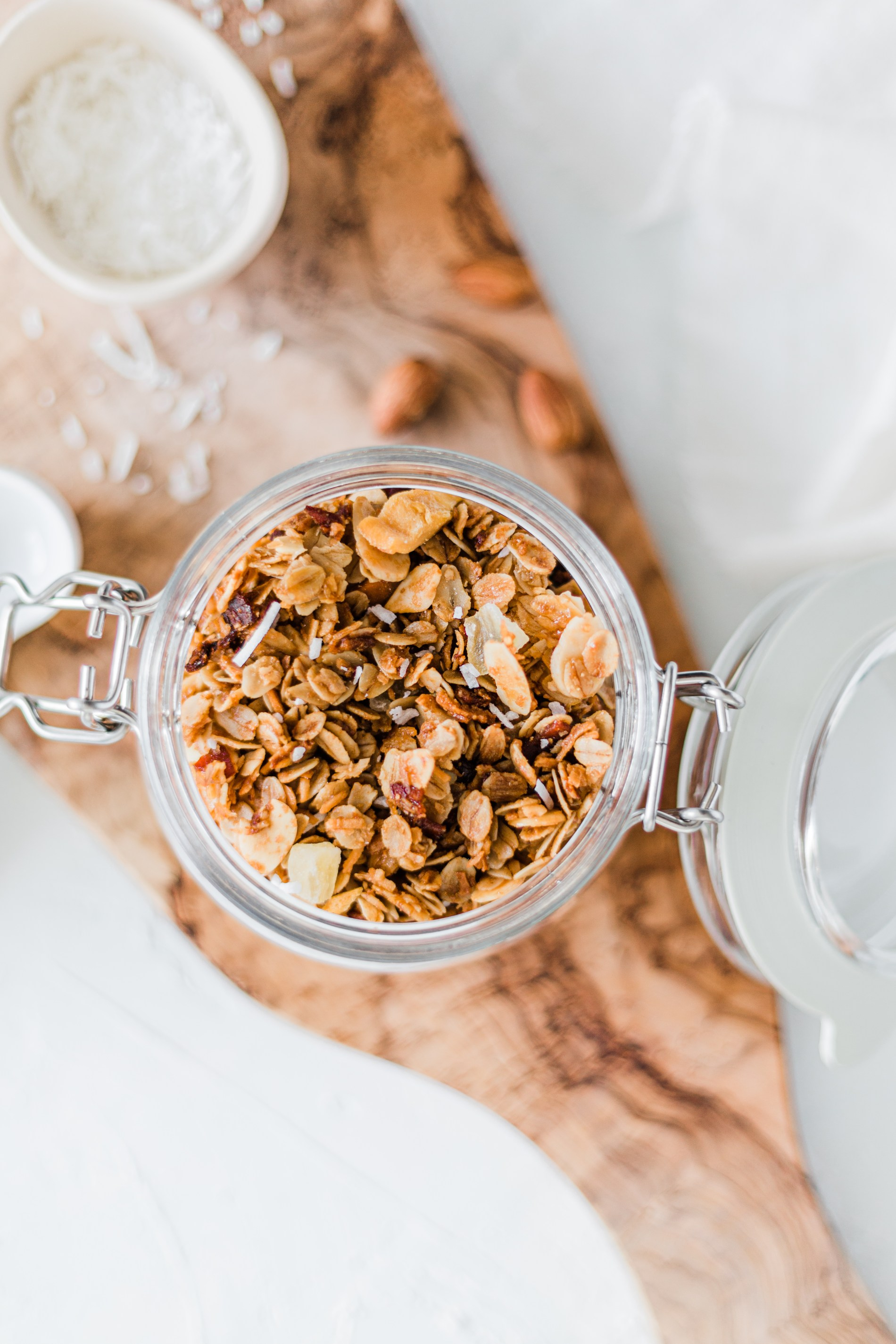 Tropical Granola with Mango, Pineapple & Bacon- Easy homemade granola that's both sweet and a little savoury. #homemadegranola #tropicalgranola #easyrecipe #healthybreakfast