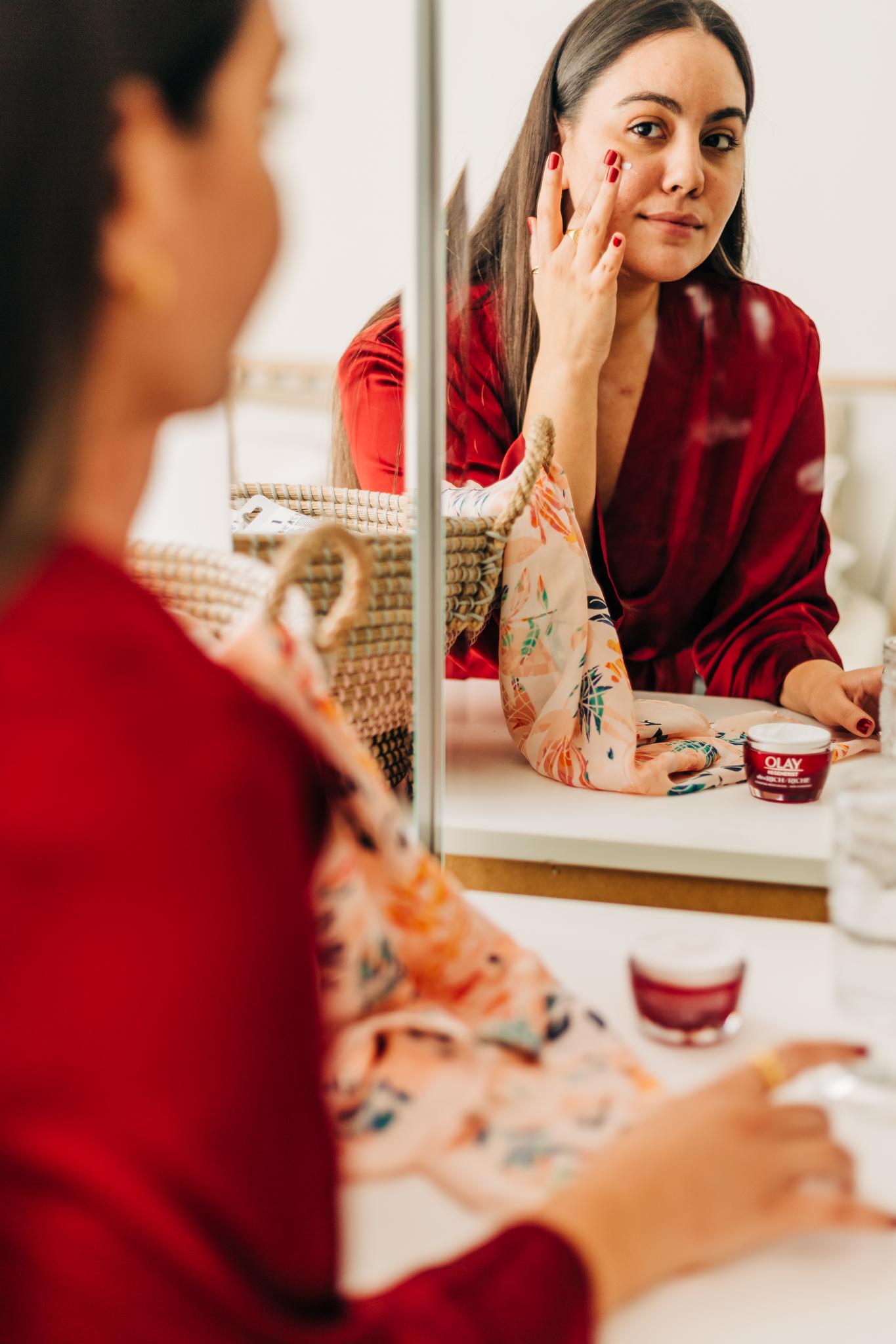 Hydratant Olay Regenerist Ultra Riche: Une revue complète et détaillée et des conseils pour combattre la déshydratation de la peau en hiver.