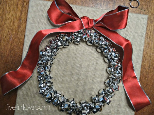 DIY Jingle Bell Burlap Wreath