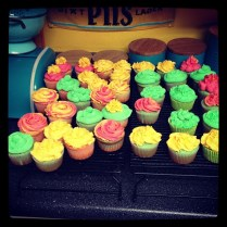 Photo of frostin cupcakes