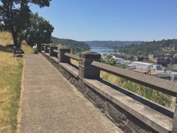 McLoughlin promenade trail