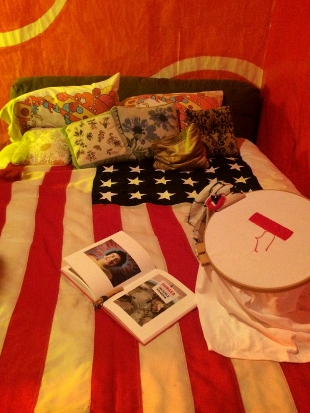Content 2015 flag bed