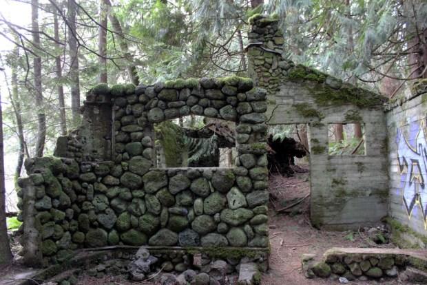 skamania stone house with grafitti