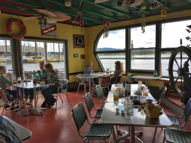 Puffin cafe dining room