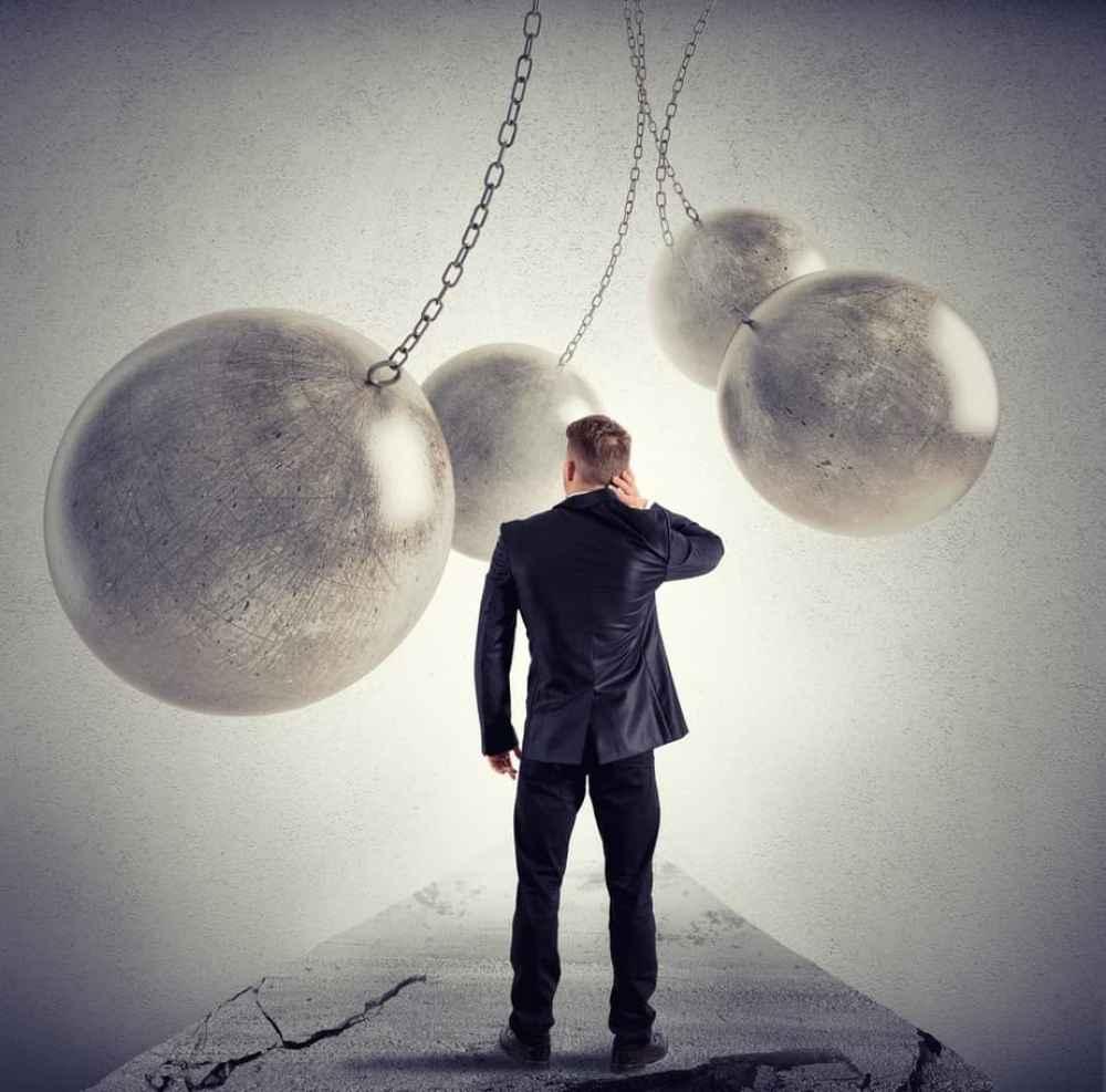 Wir sind die Übergangsgeneration Teil 1 - Im Niemandsland, ein Artikel von Kristina Hazler, Tags: Übergangszeit, Übergang, Übergangsgeneration, verlorene Generation, Generationskonflikt, Umschulung, Niemandsland, verlorener Wert, Selbstwert, Schuldgefühl, Selbstvorwürfe, Trugschluss, Hypnose, Illusion, Täuschung, Schein, Selbstentdeckung, Orientierungslosigkeit, Verwirrung, Ausrichtung, Aufgabe, Geld verdienen, Arbeit, Freizeit, Vorgabe, Kinder, Erziehung, Elternliebe, Manifestation, erschaffen was ich sende, Wahrheit,Veränderung, Link -> https://kristinahazler.com/wir-sind-die-uebergangsgeneration-teil-1-im-niemandsland/