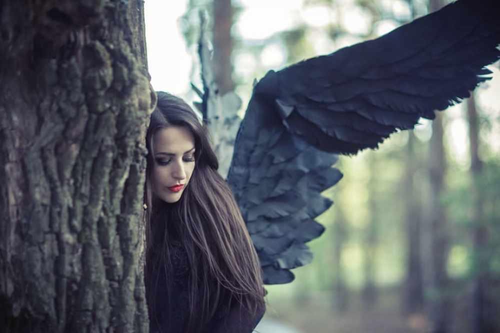 Ein Engel auf Erden bekommt eine engelhafte Hilfe, Menschenengel, Engel im Wald, gefallener Engel, Engel, Engelsgeschichten, gefallener Engel, Menschenengel, Engel im Wald, Engelshilfe, Engelsmut, Engelskraft, Engelsvision, engelhafte Hilfe, göttlicher Rat, Engel auf Erde, Engel im Himmel, Engelsblick, engelhaft