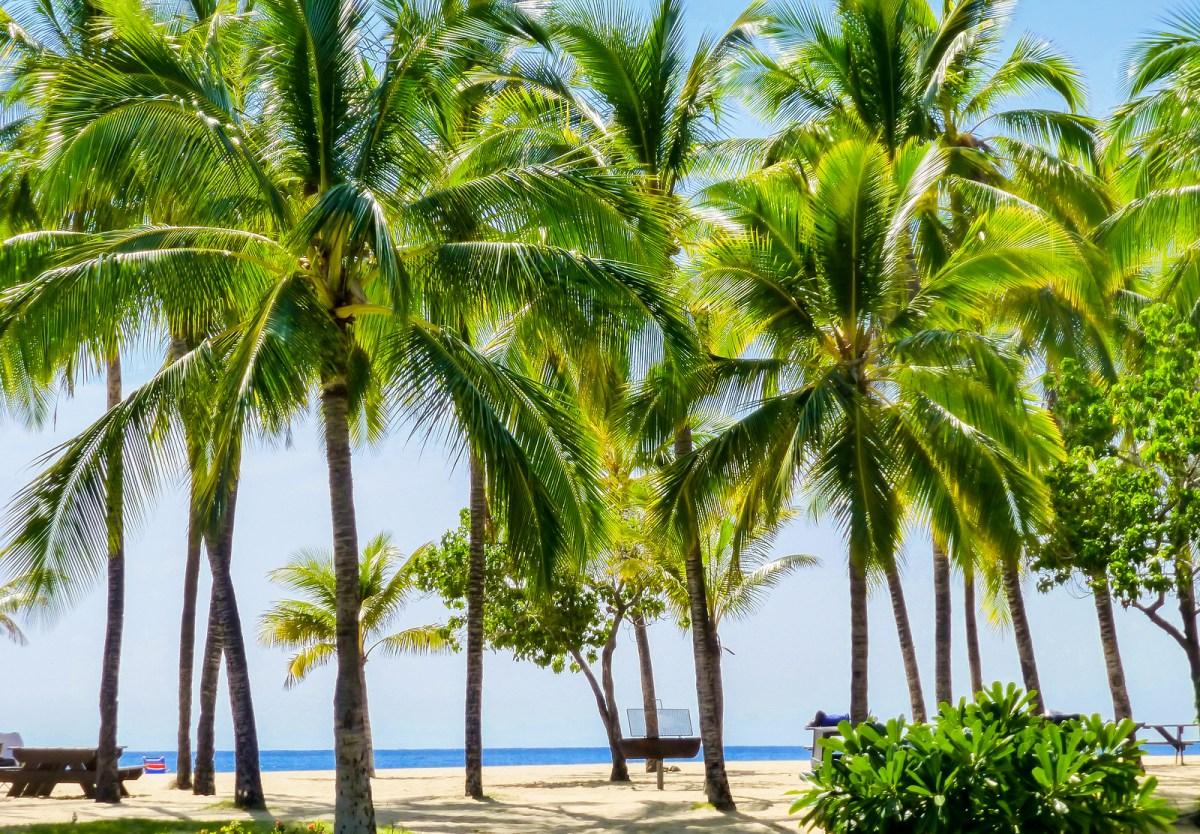 Best Beaches in Hawaii. Hulopoe beach, Lanai