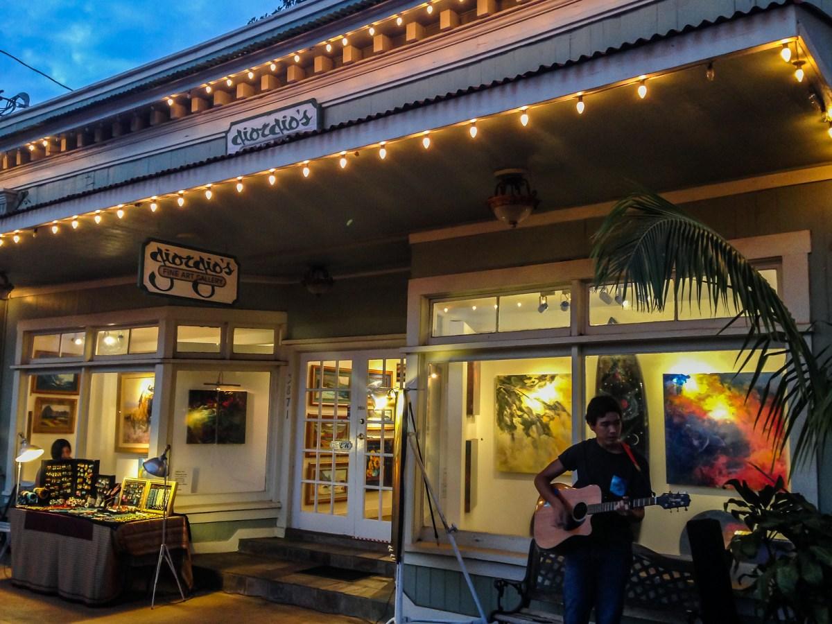 3 week Hawaii itinerary. Hanapepe Friday Night Art Walk