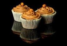 cupcake-cake-sweets-sugar-chocolate-creme-candy