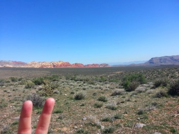 Solo hiking Red Rock's Moenkopi Trail and beyond.