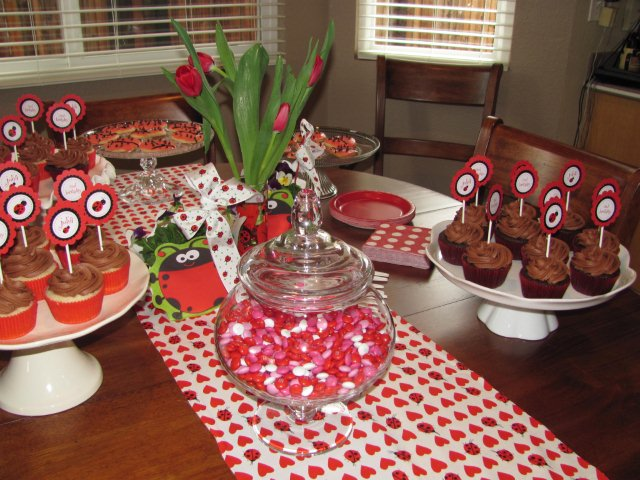 ladybug birthday party dessert table