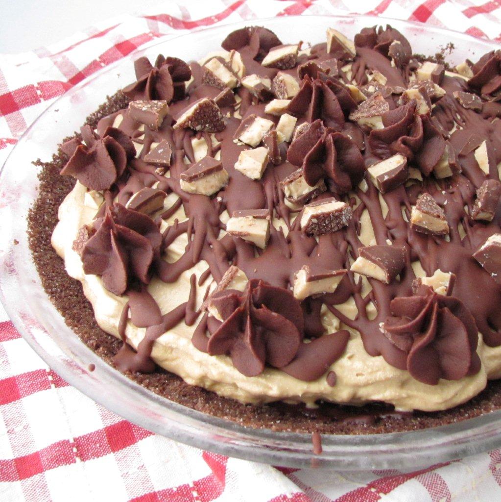 Mississippi Mud Pie - coffee ice cream, chocolate ganache, toffee... it's sooo good!  | Kristine's Kitchen