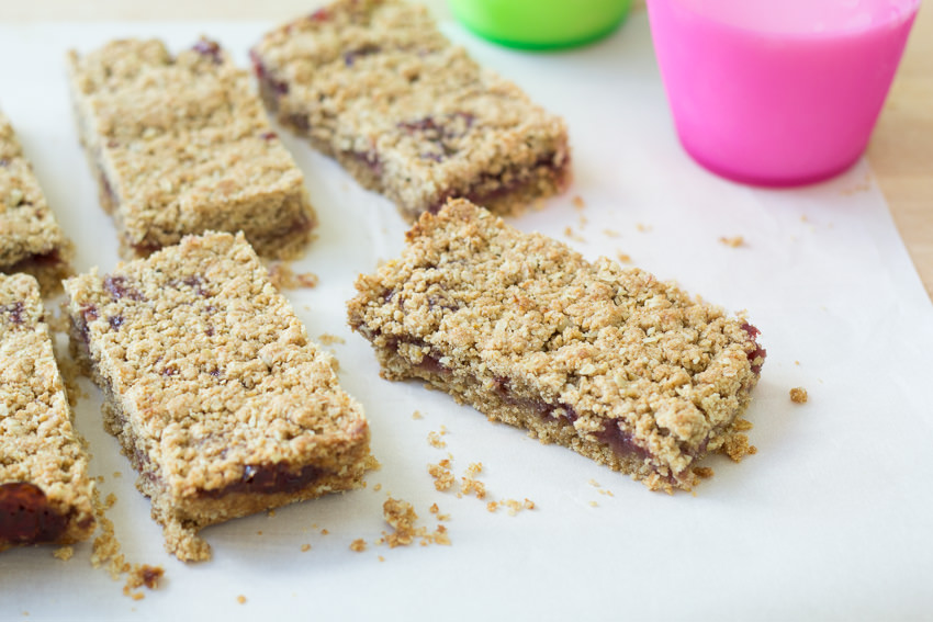 Whole Grain Fruit Bars - a healthy treat for your lunchbox | Kristine's Kitchen