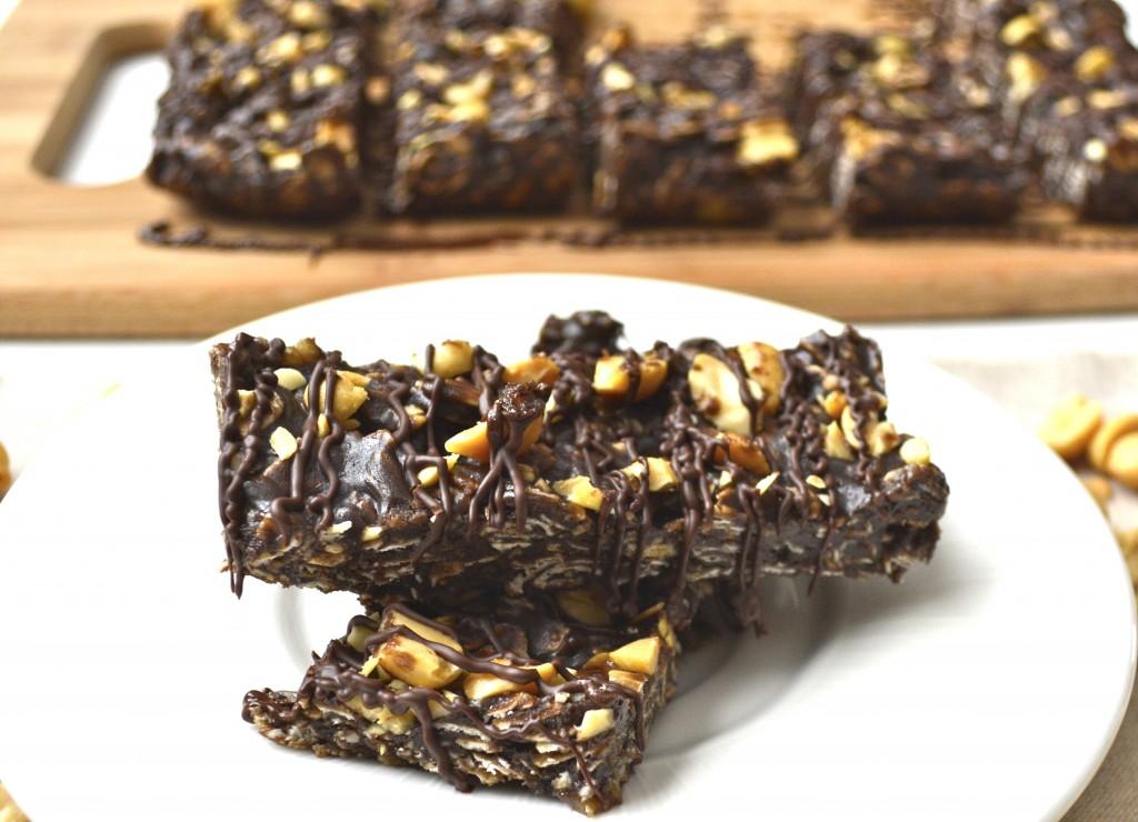 chocolate peanut butter banana granola bars from Maebells