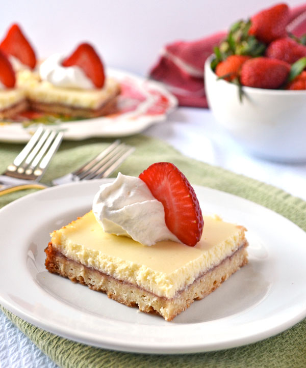 Strawberry-Lemonade-Shortcake-Bars-Recipe-The-Law-Students-Wife-1