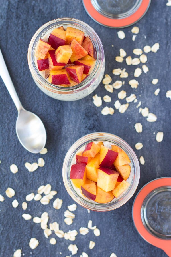 These Nectarines and Cream Overnight Oats with chia seeds are a high protein breakfast to keep you full all morning long! Works with peaches, too!   www.kristineskitchenblog.com