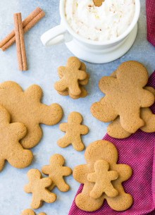 small and medium gingerbread cookies