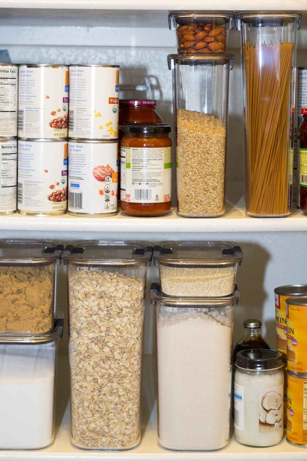 How to simplify meal planning with an organized pantry. How to organize your pantry and create a meal plan that saves money, saves time, and avoids food waste. Plus a list of pantry essentials!