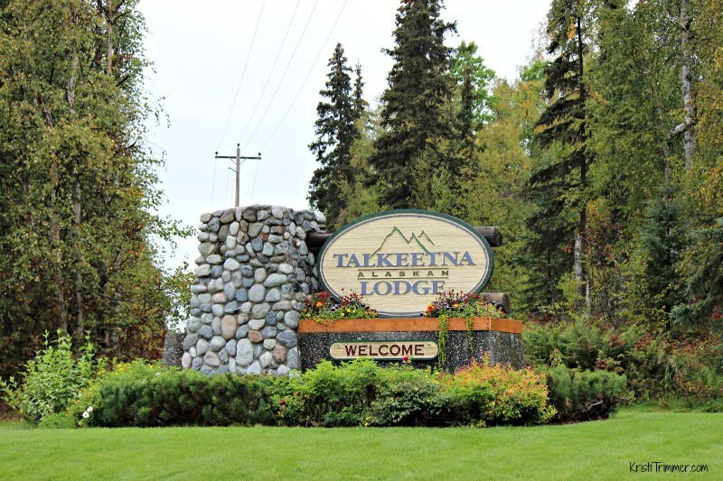 Talkeetna Lodge - Welcome Sign