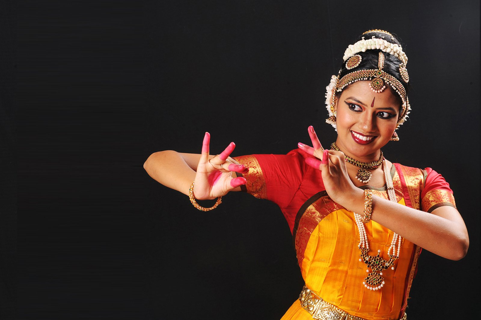 krishna pose indian dance classical bharatanatyam costume