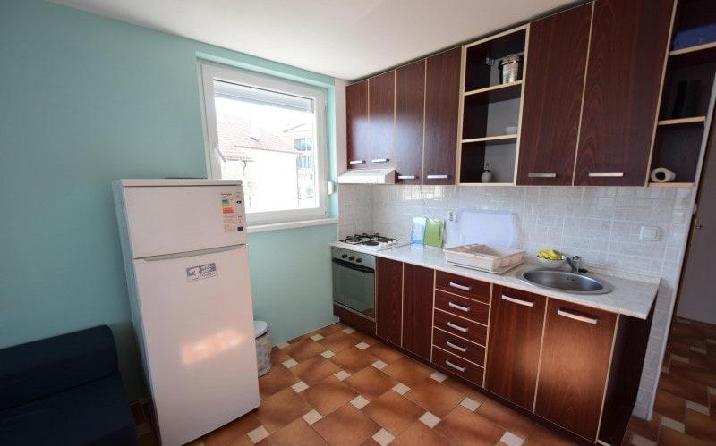 apartman 6 kuhinja