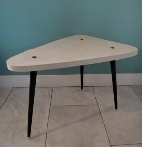 table basse tripode en carton