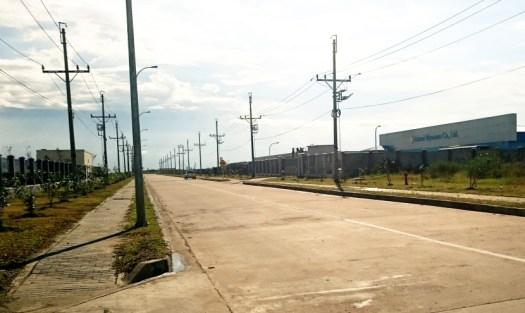 ミャンマー ティラワ工業団地内の道路