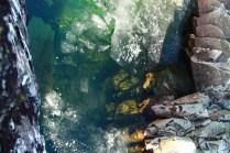 diesmal wirklich unglaublich klares Wasser durch das man bis auf den tiefen Grund kucken kann.